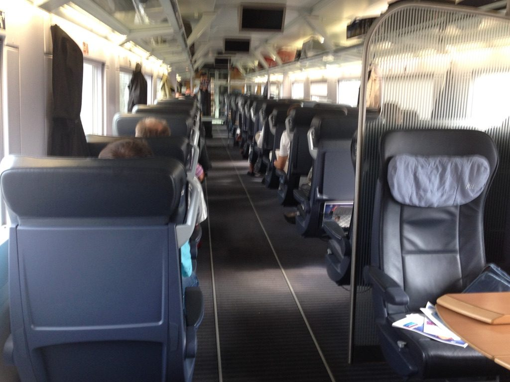 Photo of inside of ICE1 first class coach