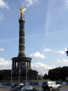 Berlin Victory Column, seen from the road