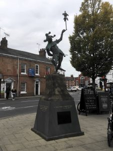 Statue of a jester in Stratford-upon-Avon