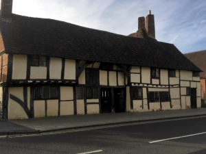 Photo of Tudor building (Mason's Court) in Stratford