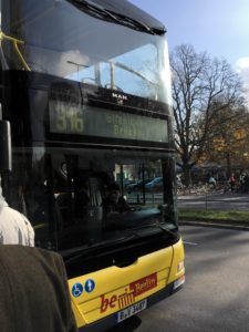 Berlin 316 bus picking up passengers at Wannsee station